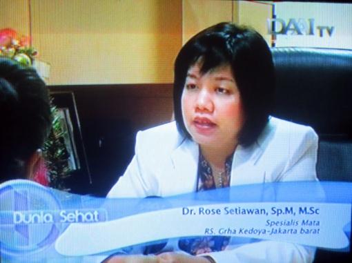sebagai narasumber di DAAI TV periode tayang 1 minggu (25-31 Januari 2013). Dr. Rose Setiawan membawa topik RETINITIS PIGMENTOSA (Kelainan genetik pada retina)
