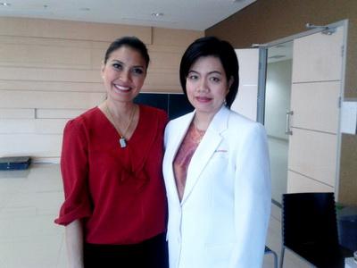 Dr. Rose Setiawan, narasumber spesialis mata di DAAI TV (Jakarta Ch.59 UHF/Medan Ch.49 UHF) bersama presenter Becky Tumewu. Topik: KATARAK PADA PENDERITA DIABETES