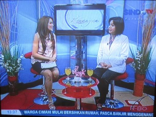 """SINDO TV mengundang Dr. Rose Setiawan dalam program Referensiana dengan topik 'KACAMATA & SOFTLENS"""" tanggal 19 November 2012"""